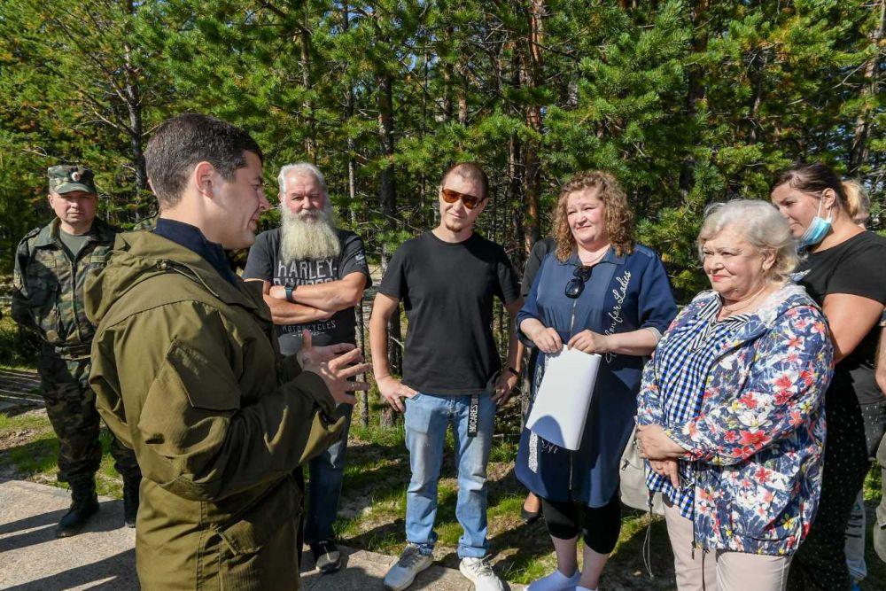 В Пурпе губернатор провел открытую встречу с жителями.