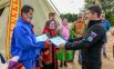 Губернатор Дмитрий Артюхов вручил чумовой капитал семье из Пуровского района.