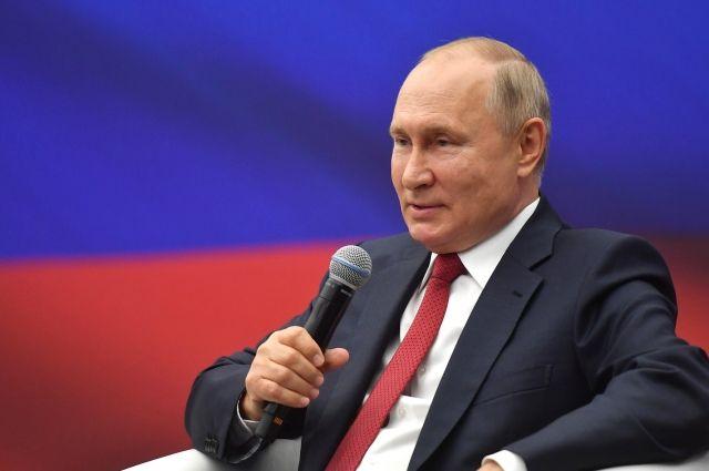 Путин обсудит с кабмином введение моратория на проверки бизнеса в 2022 году