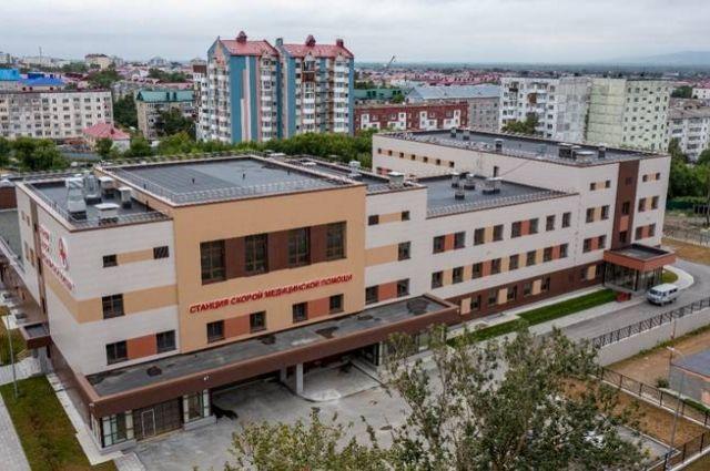 Новое здание по площади в несколько раз превосходит старую станцию скорой помощи.