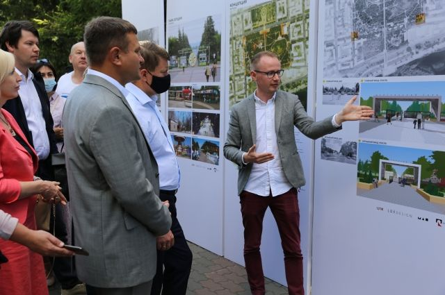 Архитекторы представили обновленный проект главе города, спонсорам и общественности.