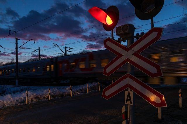 На перегоне станций Тоцкая-Погромное поизошло возгорание в полосе отвода железной дороги.
