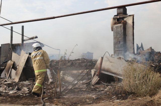 В селе Немчанка сгорело восемь жилых домов.