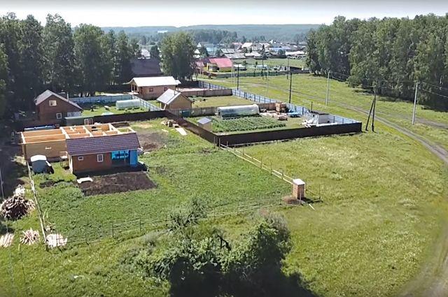 Сергей Шойгу уже поручил принять меры по прекращению судебной работы в отношении неиспользуемых земель Минобороны в Емельяновском районе.
