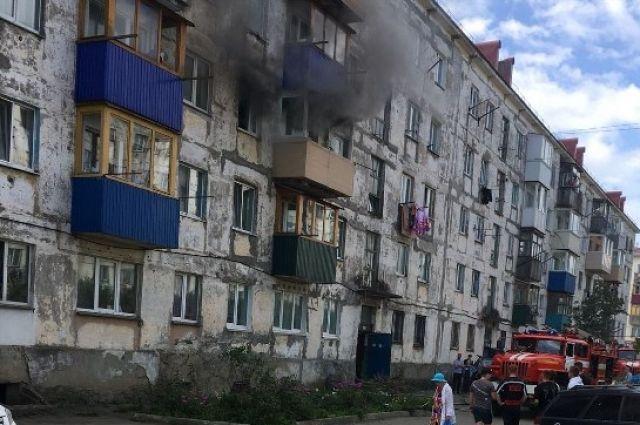 Приехали пожарные. Они быстро ликвидировали возгорание.