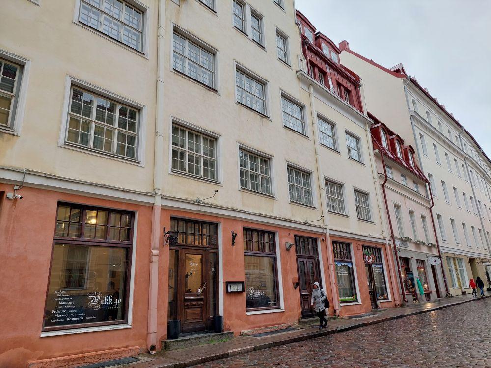 Здание бывшего Дома печати на улице Пикк, 40. Здесь, в старой части Таллина, Довлатов работал над текстами.