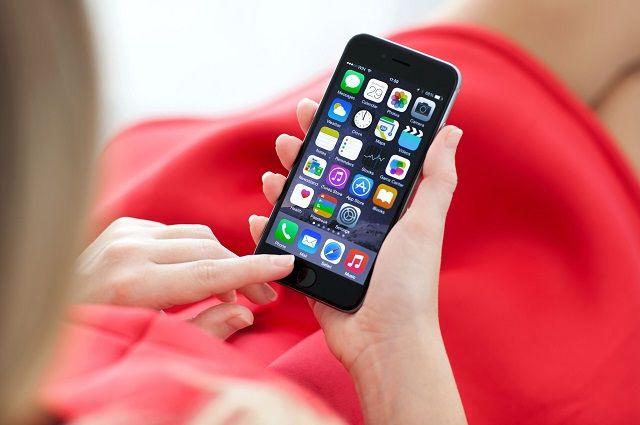 В Роскачестве назвали лучшие смартфоны для школьников