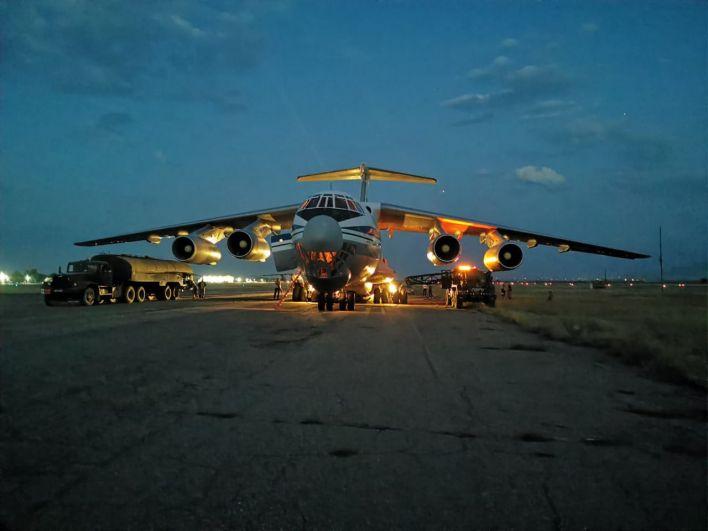 Грузовой самолет Ил-76МД во время эвакуации людей из Афганистана