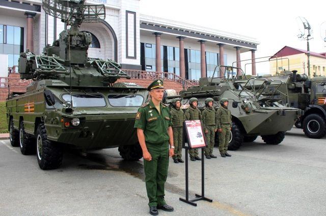 До 29 августа показ современных образцов вооружения и военной техники Восточного военного округа организован на семи выставочных площадках Сахалинской области.