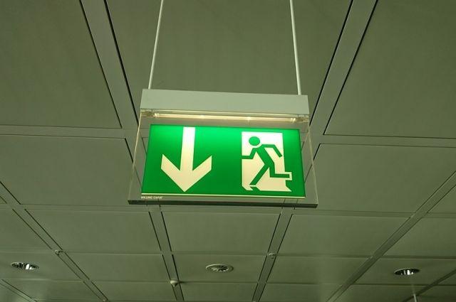 На объектах образования Оренбуржья выявлено более 2 тысяч нарушений пожарной безопасности.