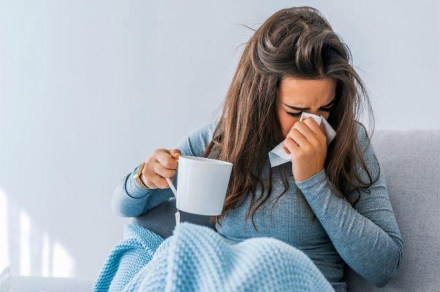 Врачи озвучили симптомы коронавируса у вакцинированных