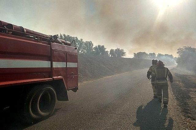 В Оренбуржье на месте пожара развернули оперативный штаб.