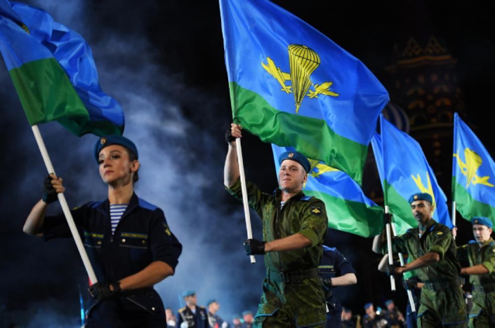 Участники сводного оркестра Воздушно-десантных войск РФ.