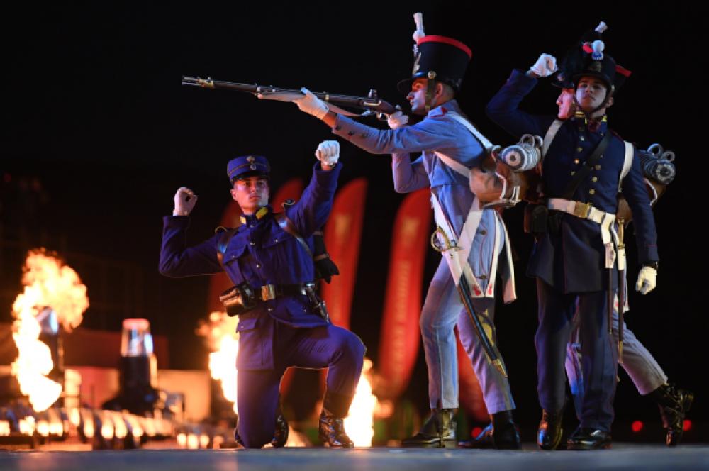 Исторический парадный взвод Академии генерального штаба Греции.