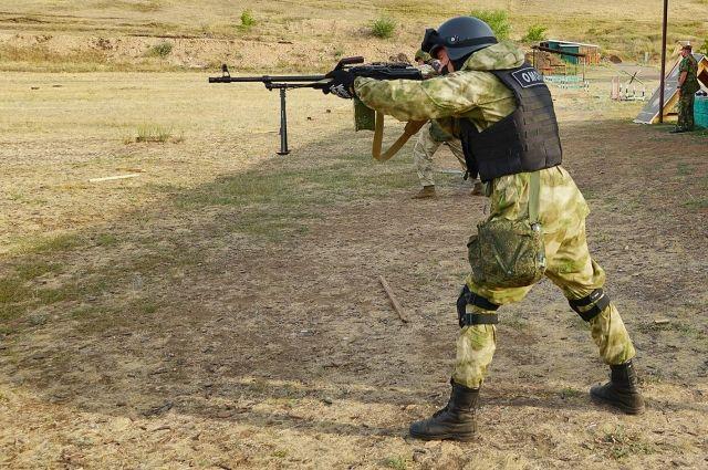 Под Оренбургом бойцы Росгвардии совершенствовали навыки стрельбы.