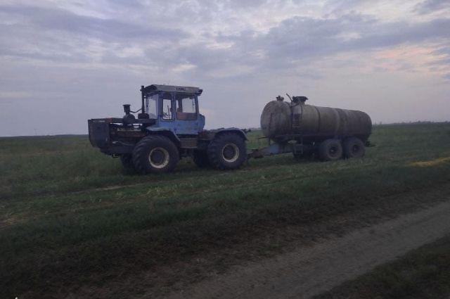Под Бердянском мужчину несколько раз переехал собственный трактор