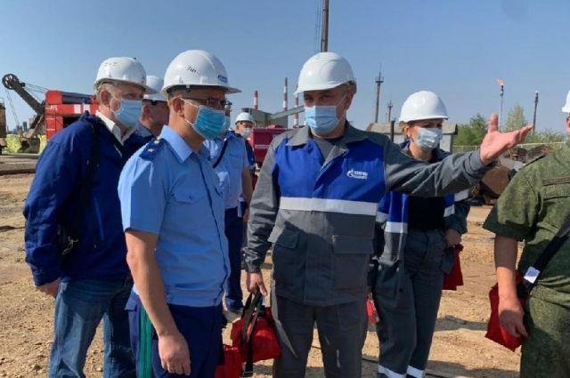 Прокуратура Оренбуржья инициировала проверку по факту пожара в районе газзавода и выброса вредных веществ.