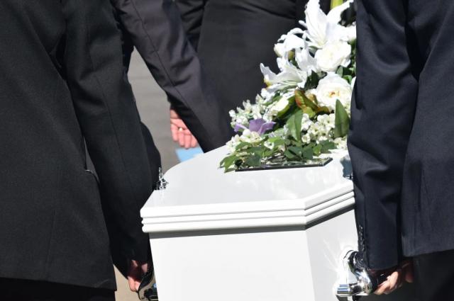 В Оренбургской области стоимость похорон в 2021 году выросла на 15-20%.