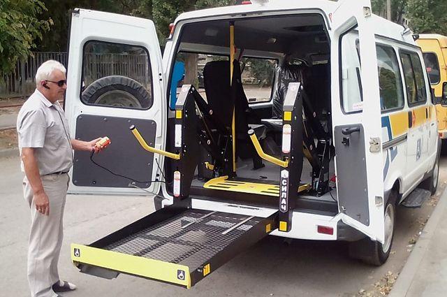Сейчас больницы оснащаются комфортабельными автомобилями для доставки пациентов в лечебные учреждения.
