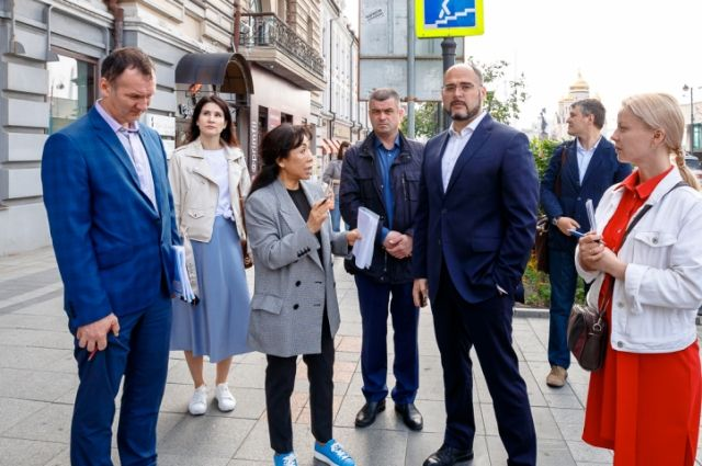 Глава Владивостока предпочитает изучать проблемы лично