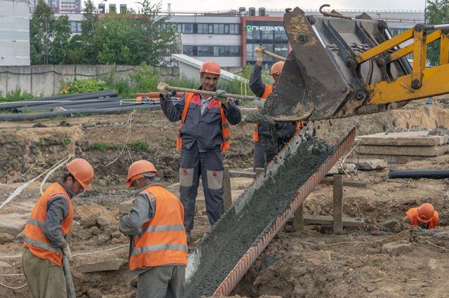 Поданным Федерации мигрантов России, ихсредняя месячная зарплата выросла до43тыс. руб.