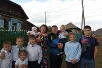 Дружная семья мечтает о большом доме, в котором будет достаточно места для всех детей, а потом и внуков.