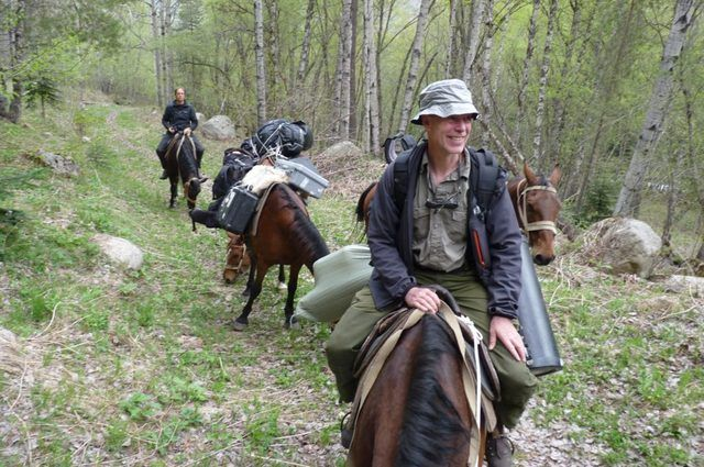 Научные сотрудники заповедника регулярно обследуют территорию.