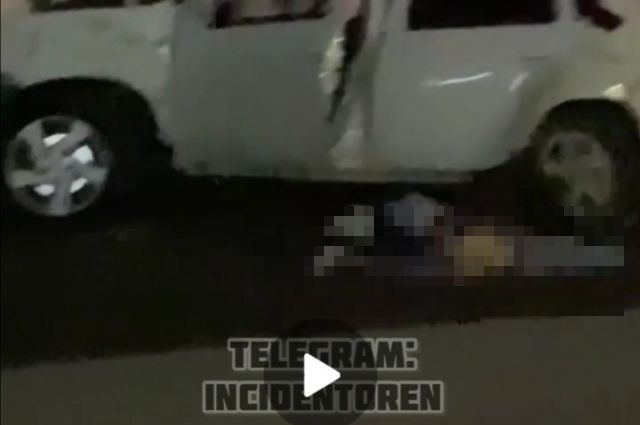 В Оренбурге ночью лоб в лоб столкнулись два автомобиля.
