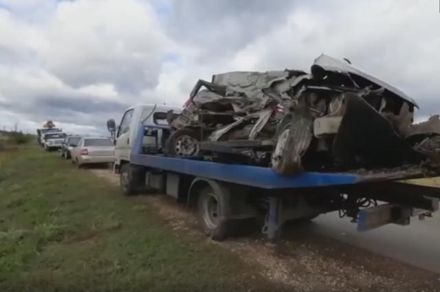 Водитель внедорожника в Башкирии погиб, столкнувшись с КамАЗом