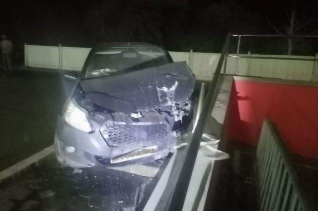В сети появилось видео тройного ДТП на Авторемонтной в Оренбурге, в котором погиб человек.