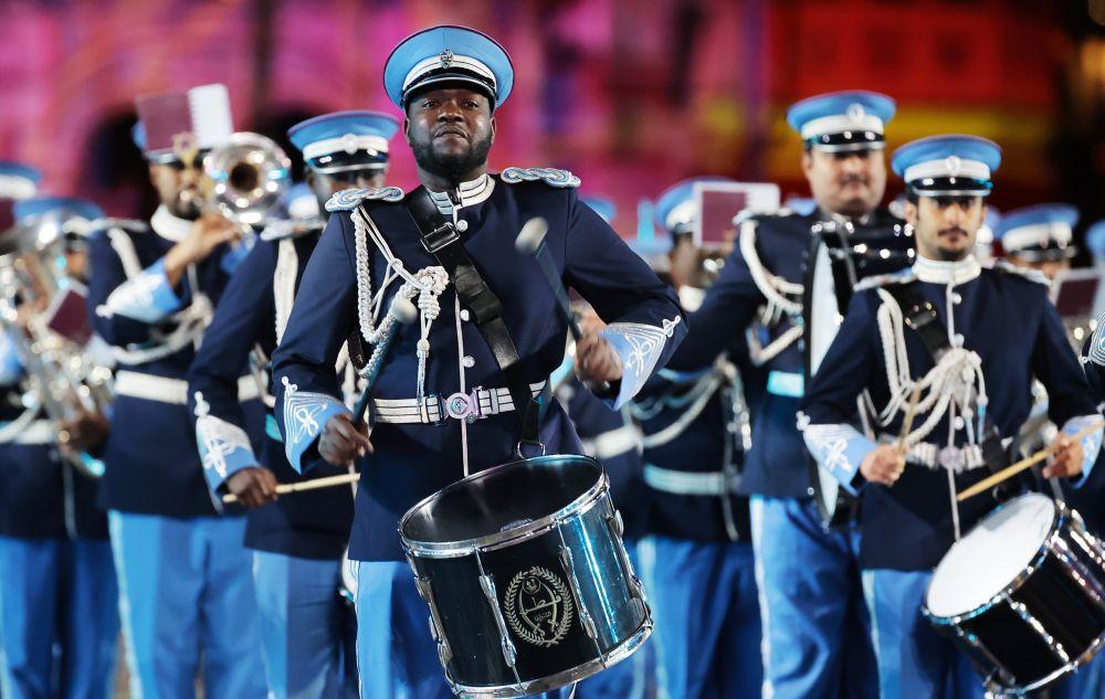 Оркестр полиции Катара на торжественной церемонии закрытия XIV Международного военно-музыкального фестиваля «Спасская башня» на Красной площади в Москве