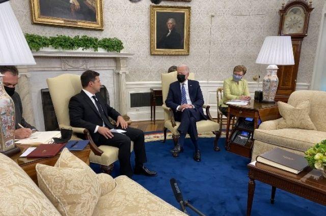 Зеленский призвал сенаторов США сохранить давление на «Северный поток-2»