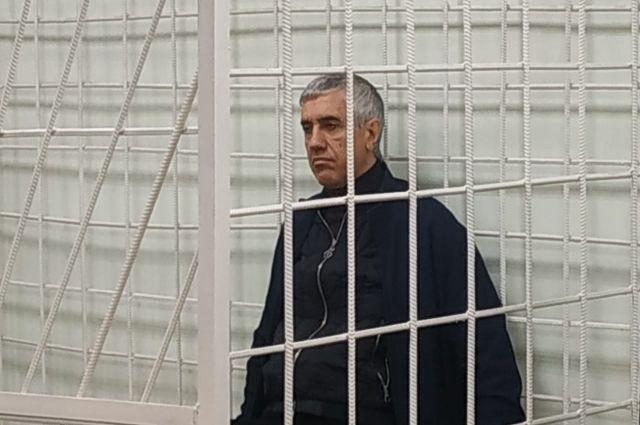 Известного бизнесмена и политика приговорили к 13 годам лишения свободы в колонии общего режима.