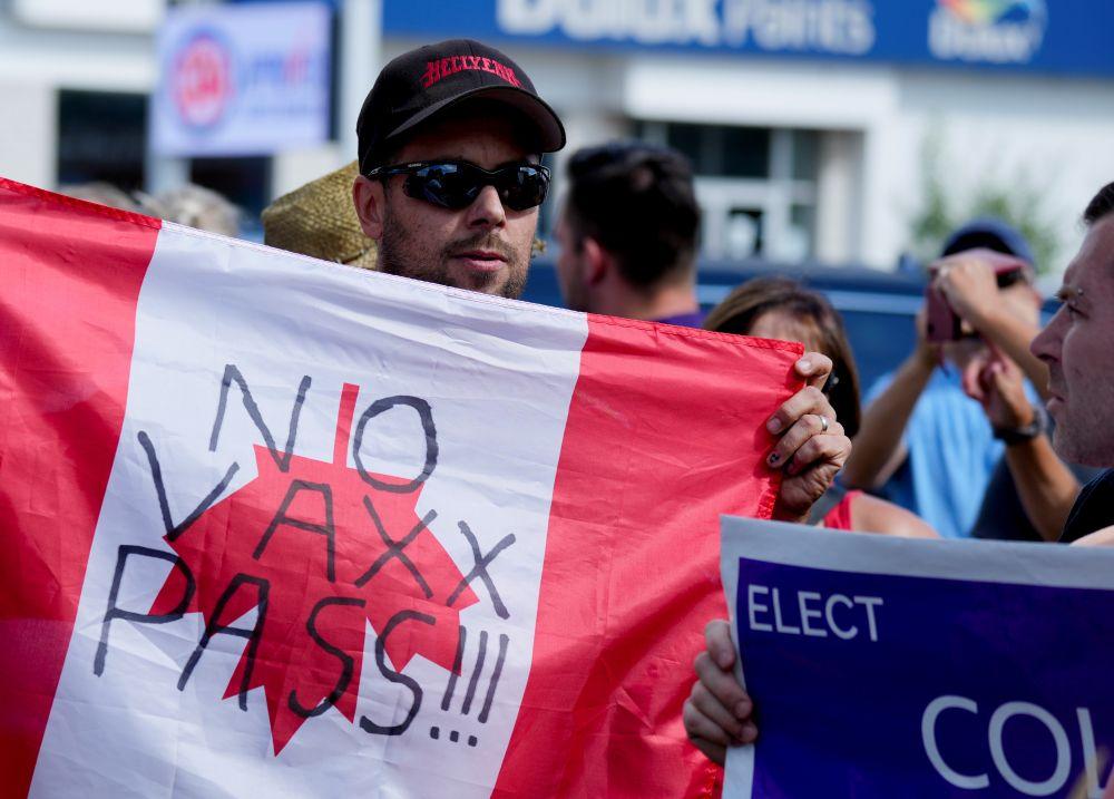 Протестующие в Ньюмаркете (провинция Онтарио)