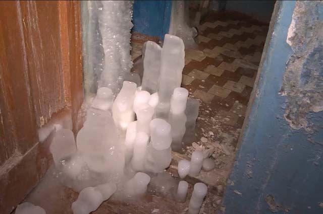 Этой зимой Вуктыл чуть не замёрз. Ужасные кадры местных подъездов показали по федеральному ТВ.