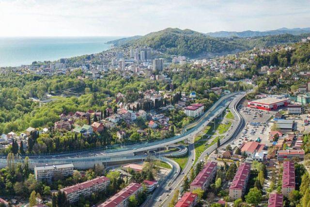 С начала 2021 года курорты Сочи приняли почти 4,5 млн гостей.