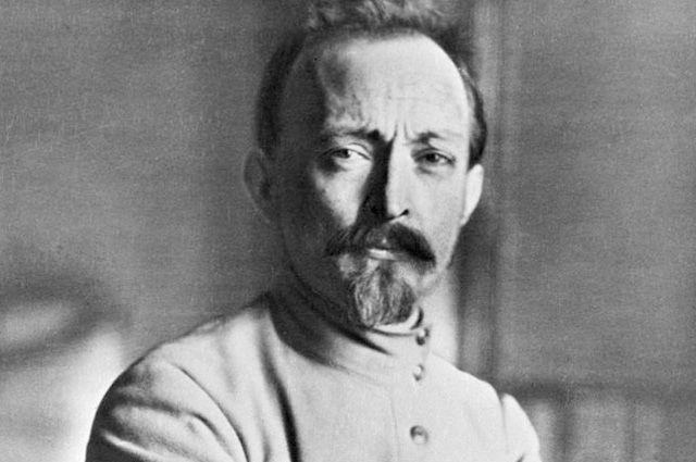 Будущий революционер происходил из старинного польского рода, уходящего корнями в XVII век.