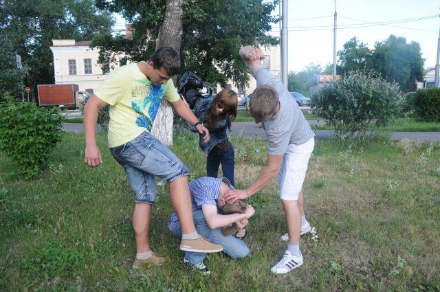 Подростки из Бузулука отправятся на скамью подсудимых за избиение и грабеж мужчины.