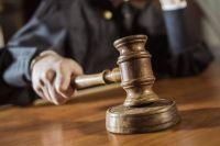 Жителя Бузулука приговорили к девяти годам колонии строгого режима за убийство отчима.