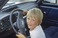 В Первомайском районе родители трех несовершеннолетних давали им водить машину.