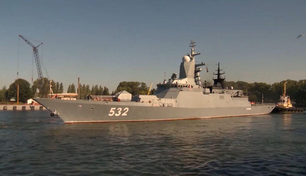 Выход кораблей и судов обеспечения Балтийского флота в море в рамках ССУ «Запад-2021»