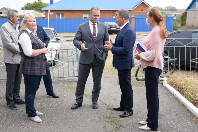 Первый заместитель Главы Оренбурга Сергей Салмин с рабочим визитом посетил оренбургские поселки.
