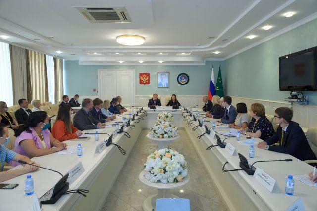 Глава Адыгеи выступил перед руководителями управлений ФАС ЮФО.