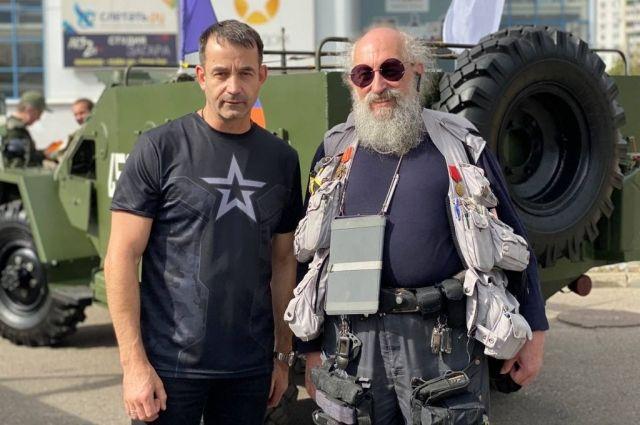 Певцов и Вассерман стали участниками шествия Военно-Технического общества