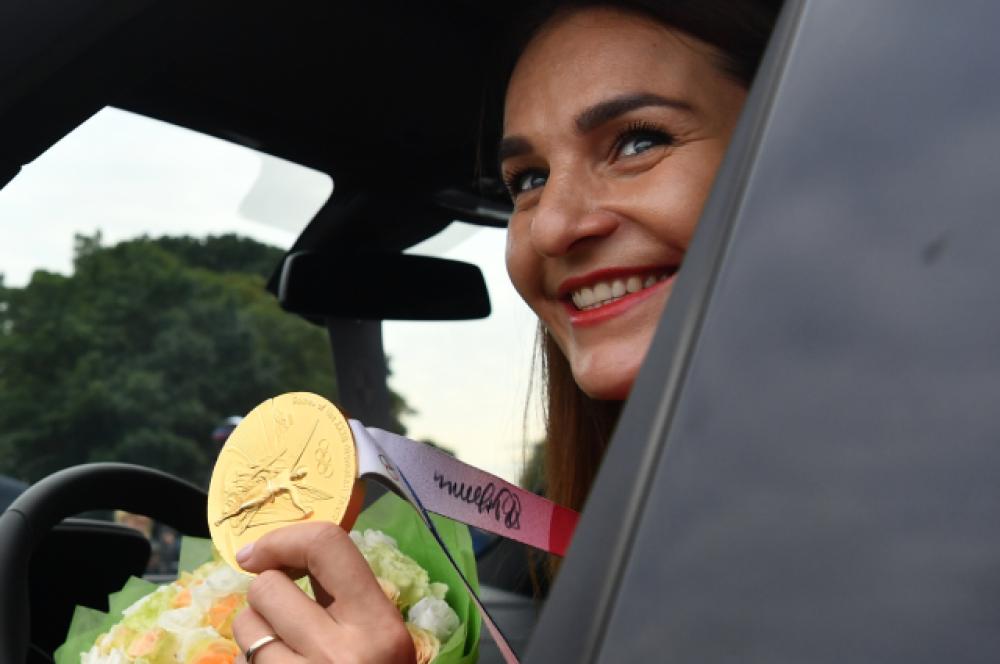 Чемпионка XXXII летних Олимпийских игр в Токио по фехтованию на саблях в командных соревнованиях и серебряный призер в личных соревнованиях Софья Великая.
