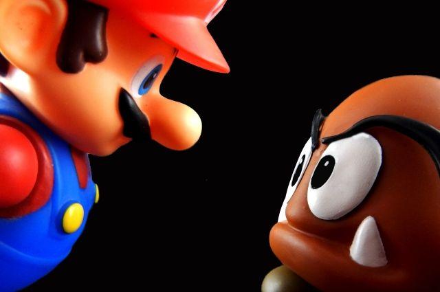Super Mario Bros. занесена в «Книгу рекордов Гиннесса» как самая продаваемая игра в истории.