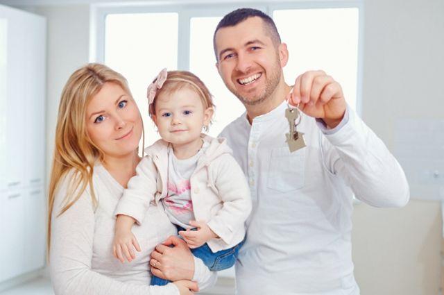 Льготная ипотека от Россельхозбанка теперь доступна семьям с одним ребенком.