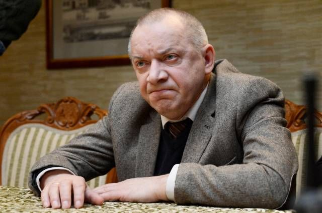 Актер Сергей Арцибашев во время съемок фильма Юрия Быкова «Дурак».