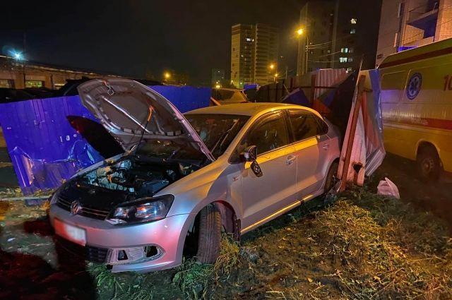 В Ижевске водитель без прав протаранил три автомобиля