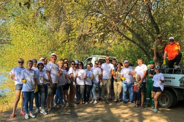 Волонтеры фонда провели субботник на берегу Сакмары.